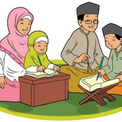 15607800-indonesian-family-muslim-learning-koran-1